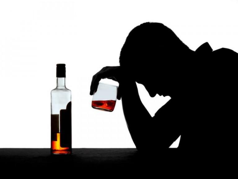 если в семье пьёт муж, что советуют наркологи